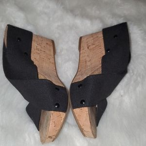 Lucky Brand Size 9 Black & Tan Wedges